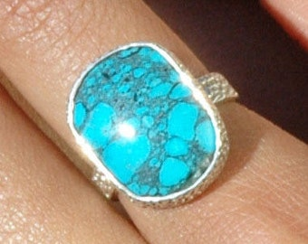 Lovely Arizona Turquoise Ring in Sterling Silver Size 7  P160