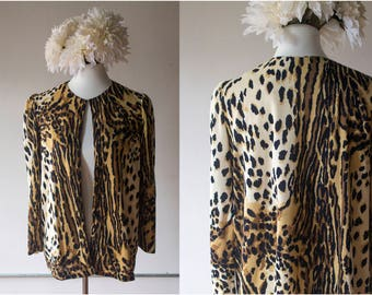 Vintage 1970s Animal Print Long Sleeved 'Cardigan' - Size M/L