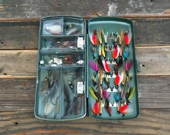Vintage Fly Fishing Lure Fly Box / Plus New Salmon / Steelhead / Trout Flies