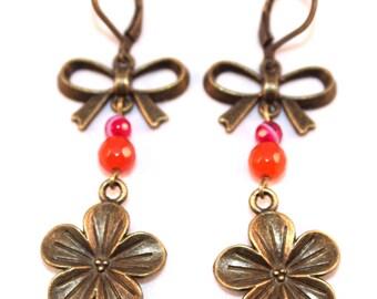 Boucles d'oreilles nœuds, fleurs et perles en agate roses et oranges