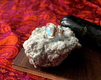 925 Sterling Silver Natural Rainbow Moonstone Gemstone Spoon Ring Size 7 Reiki Healing Chakra Jewlery