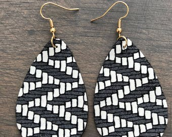 Gray and White Zigzag Leather Teardrop Earrings