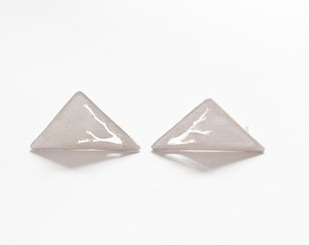 Triangle stud earrings in sterling silver, with hand sawn branches. Modern and organic!