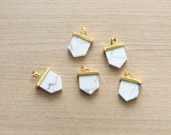 1 pcs of Synthetic White Howlite Point Pendant With Gold Plated Pendant - Gemstone Pendants