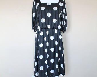 1980s Vintage Black and White Polka Dot Dress