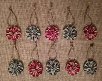 Christmas Tree Ornaments, Fabric Christmas Ornaments, Yoyo Ornaments, Rustic Tree Ornaments, Red and Green Ornaments