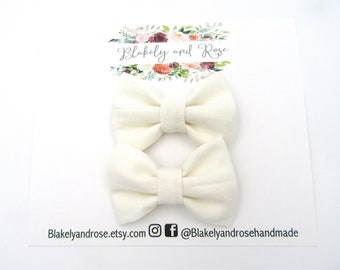 Ivory Pigtail Clip Set Bows, Set of Two, Piggie Clips,  Dainty Baby Bows, Mini Bows, Newborn Headband Bow, Toddler Hair Clips, Fabric Bow