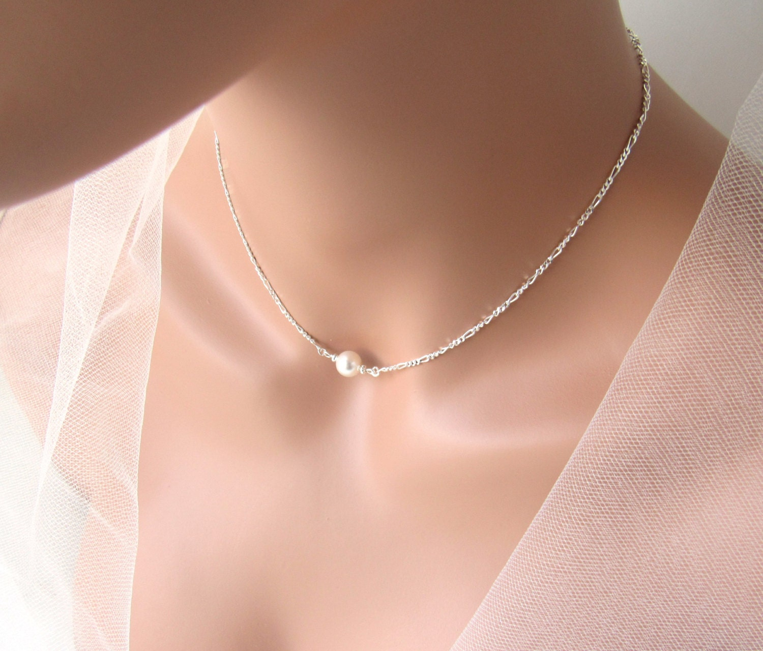 wolf lily pearl uk roo badger gold single necklace choker image