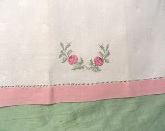 Floral embroidered guest hand towel / vintage cotton pink towel with clover