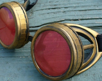 Steampunk Time Travel Crazy Scientist's Oculo-Vision Tool---D gold red