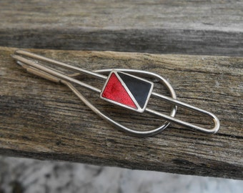 Vintage Enamel Black and Red Tie Clip. 1980s. Gift for Men, Dad, Grad, Groomsmen, Husband, Brother, Son