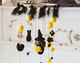 Felted witch mobile/ Halloween felt crafts/ Special home decor/ Felted witch with pumpkin