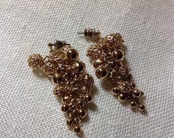 Vintage Dangle Earrings, Pierced Earrings, Pierced Dangle Earrings, 80's Earrings, Post Earrings , Ball Dangle Earrings, Grape Cluster  Look