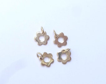 2 pcs  Gold Vermeil flower  charm (7mm) (Gold plated .925 sterling silver)