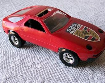 Vintage Porsche 928 Model Car Red Plastic Strombecker USA Model Sports Car Collectible Scale 1:18