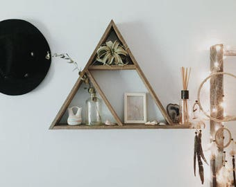 Triangle Shelf Extended Base + Cubbies, Reclaimed Wood Triangle, Pallet Wood Shelf, Geometric Shelf, Pallet Wood Art, Pallet Art, Wall Art