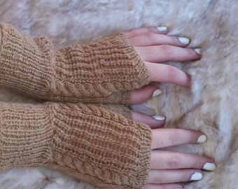 Golden Lattice Gloves