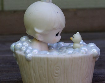 Vintage Precious Moments  A Tub Full of Love