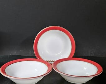 Vintage Pyrex soup, cereal, salad  bowls.  Set of 4. White and red with gold ring.