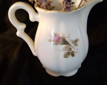 Vintage Made in china,small creamer, pitcher,3 inches tall