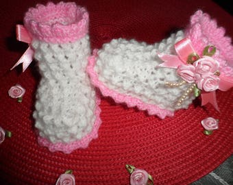 Baby booties in wool (0-3 months)