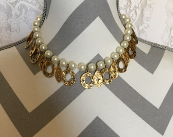 Vintage pearl and gold dangly necklace