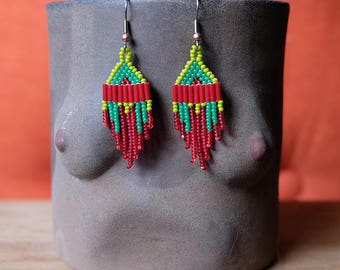 Red and Green Holiday Minis // Native American Beaded Earrings