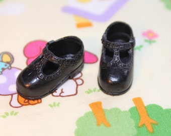 Blythe Black T-Strap Mary Jane shoes