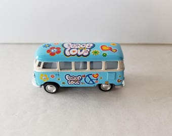 1962 15 Window Type 2 VW Bus Peace and Love Flower Power 1/64 Scale Collector's Item Hippie Bus Memorabilia Diorama Supply Roll Back Cutie