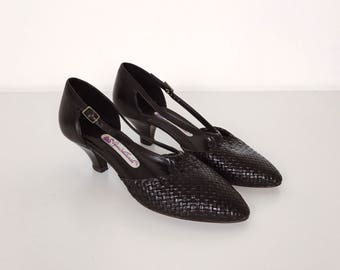 80's Gloria Vanderbilt Black Woven Leather T Strap Kitten Heel Shoes // Women's size 6.5 7 37 37.5