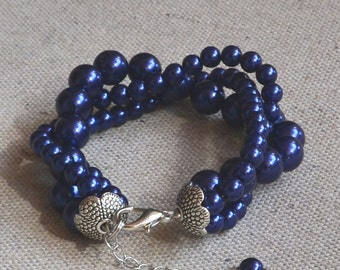 navy blue pearl bracelet,3 strands pearl bracelet,  glass pearls bracelet, pearl bracelet,bridesmaids bracelet, wedding  pearl bracelet
