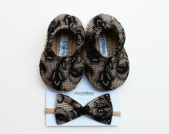 Baby Shoe Baby Espadrilles Crochet Soft Sole Natural Black Lace pattern Size 3-6 mths with matching bow headband Baby Shower Gift Baby Girl
