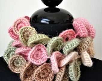 UNDER THE SEA Pastel Scarf § Necklace in Wool and Soy Yarn