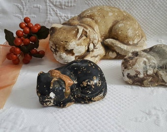 Vintage Chalkware Cat and kittens