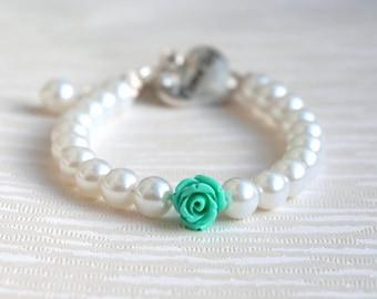 Flower girl gift, White and Mint Flower Girl Bracelet, Wedding Jewelry, Mint Flower Bracelet, White Pearl, Rhinestone, Bracelet Flower Girl
