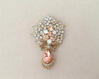 Coral Crystal Brooch.Coral Rhinestone Brooch.Coral Broach.Coral Pin.Bridal Brooch Pin.Gold Coral Brooch.Wedding Accessory.Peach Rhinestone