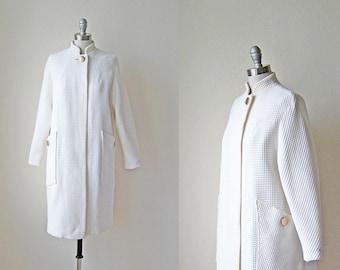 1960s vintage cream white ivory long sleeve waffle gold button pocket car coat xs s