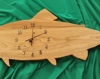 This is a Fish Clock made out of Cherry Wood