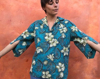 Vintage 1950s 1960s Disneyland Original Womens Cotton Tunic Top. Flared Sleeves. Mid Century top. Floral Aqua Olive Green