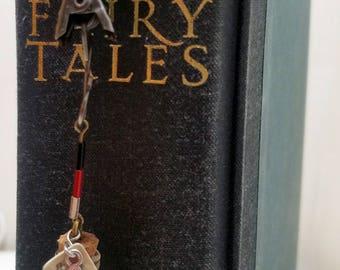 Queen of Hearts Alice in Wonderland Book Club Ribbon Book Mark