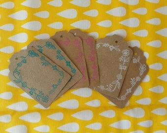 Étiquettes avec tampon fait main frise florale, recyclage de papier kraft -étiquettes écoresponsables -papeterie recyclée-étiquette recyclée