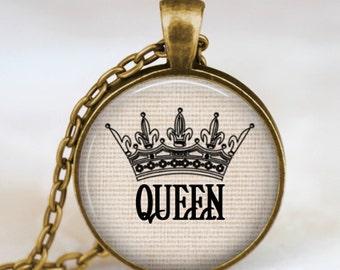Queen crown necklace antique bronze,queen crown pendant , crown jewelry, queens crown charm