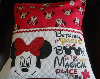 Minnie  Reading Pillow