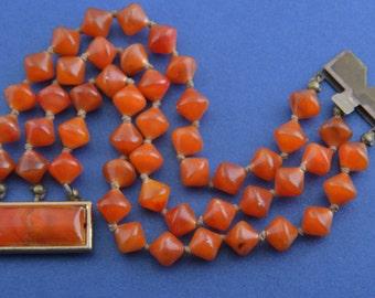 Plastic 1930's Bracelet (795s)