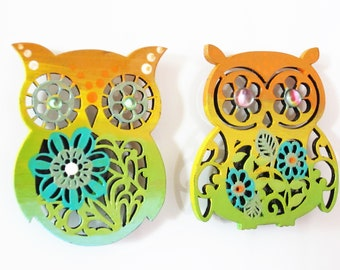 Handpainted magnets, set of 2 magnets, kitchen, painted home decor, owl magnets, painted owl decor, owl art, fridge magnets, animal magnets,