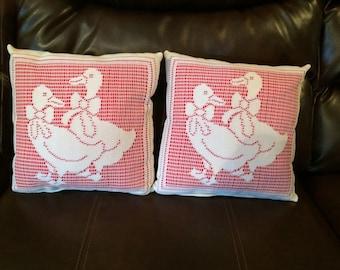 Lace Duck Pillow Set