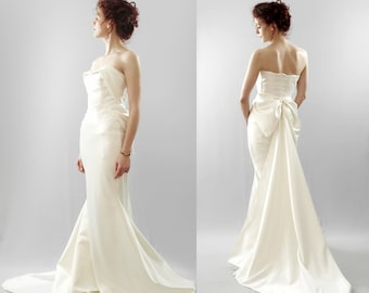 Swanson - Hourglass Bow Back Wedding Dress Gown - Made to order