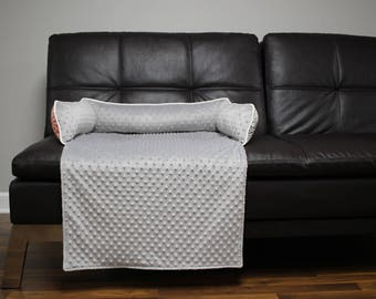 NEW Sofa Bed. Made for your best friend. Style: Gray Minky/Maya Blooms