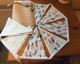 Traditional style bunting, winter bunting, ice skaters, jolly bunting, brightly coloured characters, 9 flags