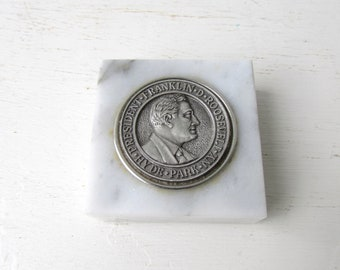 Vintage Marble Hyde Park N.Y. Paperweight - Franklin D. Roosevelt Hyde Park Commemorative Paperweight - Silver Metal Coin Paperweight
